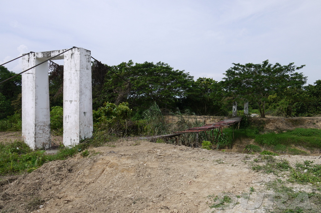 Original Site, broken bridge crossing Sg. Linggi, Rantau (1/08/2010).